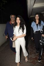 Janhvi Kapoor, Khushi Kapoor, Boney at Boney Kapoor Birthday Celebrations in Arjun Kapoor_s House In Juhu on 11th Nov 2018 (55)_5bea770f72881.JPG