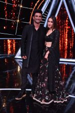 Sara ali khan, Sushant singh Rajput at Indian Idol 10 on 12th Nov 2018 (6)_5bea7baac49d3.JPG