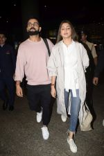 Virat Kohli, Anushka Sharma spotted at airport on 11th Nov 2018 (11)_5bea70d912134.JPG