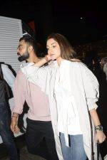 Virat Kohli, Anushka Sharma spotted at airport on 11th Nov 2018 (17)_5bea70a27c105.JPG