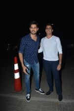 Sidharth Malhotra at Milap Zaveri_s Birthday party on 14th Nov 2018 (90)_5bed153632b4e.jpg