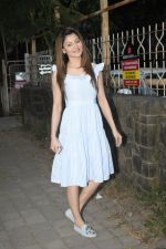Urvashi Rautela Spotted at juhu on 14th Nov 2018 (16)_5bed15478d9a1.JPG