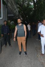 Emraan Hashmi spotted at Krome studio in bandra on 15th Nov 2018 (11)_5bee6bef6e2cf.JPG