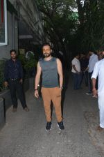 Emraan Hashmi spotted at Krome studio in bandra on 15th Nov 2018 (12)_5bee6bf6d5b11.JPG