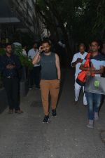 Emraan Hashmi spotted at Krome studio in bandra on 15th Nov 2018 (3)_5bee6bc2b29a0.JPG