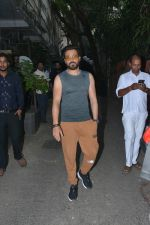 Emraan Hashmi spotted at Krome studio in bandra on 15th Nov 2018 (6)_5bee6bd2066d8.JPG