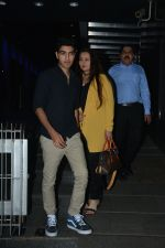 Poonam Dhillon with  Son Anmol & Daughter Paloma spotted at Hakkasan in bandra on 15th Nov 2018 (17)_5bee76eda5b9f.JPG