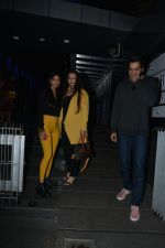 Poonam Dhillon with  Son Anmol & Daughter Paloma spotted at Hakkasan in bandra on 15th Nov 2018 (24)_5bee76ba15c07.JPG