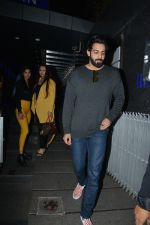 Poonam Dhillon with  Son Anmol & Daughter Paloma spotted at Hakkasan in bandra on 15th Nov 2018 (25)_5bee76bfa1094.JPG