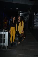 Poonam Dhillon with  Son Anmol & Daughter Paloma spotted at Hakkasan in bandra on 15th Nov 2018 (27)_5bee76c6b6e18.JPG