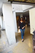 Vaani Kapoor spotted at bandra on 15th Nov 2018 (2)_5bee6c334ccf8.jpeg