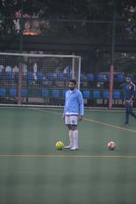 Abhishek Bachchan at  football match in bandra on 18th Nov 2018 (22)_5bf3a59d6d573.JPG