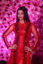 Aishwarta Rai Bachchan at the Red Carpet of Lux Golden Rose Awards 2018 on 18th Nov 2018 (76)_5bf3a5bcbc264.jpg