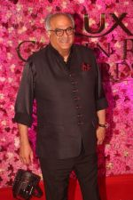 Boney Kapoor at the Red Carpet of Lux Golden Rose Awards 2018 on 18th Nov 2018 (83)_5bf3a695be921.jpg