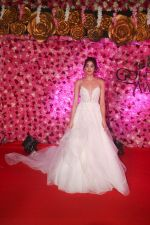 Janhvi Kapoor at the Red Carpet of Lux Golden Rose Awards 2018 on 18th Nov 2018 (5)_5bf3a71baf7dd.jpg