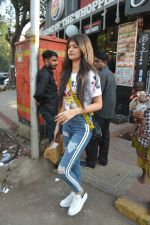 Khushi Kapoor and Anjali Dhawan spotted at Bastian bandra on 18th Nov 2018 (1)_5bf3a76cb0476.JPG
