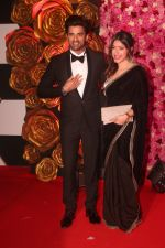 Mohit Malik,Aditi Shirwaikar at the Red Carpet of Lux Golden Rose Awards 2018 on 18th Nov 2018 (20)_5bf3a7f4e1640.jpg