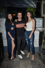 Tara Sutaria, Ananya Pandey at Tara Sutaria_s Birthday Party in The Daily Bar, Bandra on 18th Nov 2018 (39)_5bf3a85ebe3f4.jpg