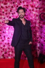 Varun Dhawan at the Red Carpet of Lux Golden Rose Awards 2018 on 18th Nov 2018 (38)_5bf3a9a1e9af4.jpg