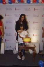 Aishwarya Rai Bacchan, Aaradhya Bachchan Celebrate Her Father_s Birthday with Smile Train India NGO Kids on 20th Nov 2018 (65)_5bf500af59170.JPG