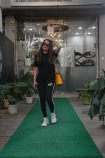 Amrita Arora spotted at a salon in bandra on 20th on 20th Nov 2018(20)_5bf5014f4b1df.JPG