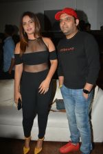 Neetu Chandra, Kapil Sharma at the launch of Hand Painted Animal Calendar By Filmmaker Omung Kumar on 21st Nov 2018 (155)_5bf65e405cb1b.JPG