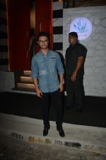 Aayush Sharma With Family Spotted At Sanchos In Bandra on 22nd Nov 2018