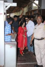 Kartik Aaryan visited shidhivinayak mandir on his birthday on 22nd Nov 2018  (4)_5bf7aba4bc2a0.JPG