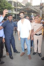 Kartik Aaryan visited shidhivinayak mandir on his birthday on 22nd Nov 2018 (20)_5bf7abc45b969.JPG