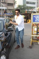 Kartik Aaryan visited shidhivinayak mandir on his birthday on 22nd Nov 2018 (23)_5bf7abc9a545f.JPG