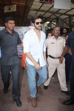 Kartik Aaryan visited shidhivinayak mandir on his birthday on 22nd Nov 2018 (6)_5bf7abb2d5ba8.JPG