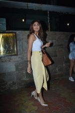 Shilpa Shetty spotted at indigo bandra on 27th Nov 2018 (10)_5bfe33cce061f.JPG