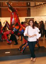 Twinkle Khanna Inaugurates an Art Show Breaking Barriers on 27th Nov 2018 (36)_5bfe3806affa7.JPG