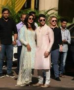 Priyanka  Chopra and Nick Jonas posing for media after finishing their wedding puja at her Versova House on 28th Nov 2018 (29)_5bff910e1bd31.jpeg