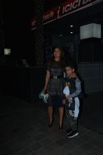 Amrita Arora with son spotted at Hakkasan in bandra on 29th Nov 2018 (2)_5c00d25a5de09.JPG