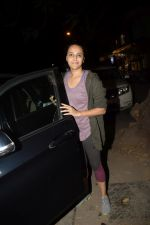 Swara Bhaskar spotted at gym in juhu on 30th Dec 2018 (23)_5c04cc0ca71a1.JPG
