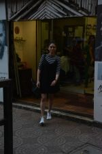 Aditi Rao Hydari spotted spotted at Zido salon in bandra on 3rd Dec 2018 (4)_5c077423db821.JPG