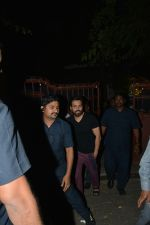 Emraan Hashmi Spotted Post A Shoot At Pali Hill on 2nd Dec 2018 (2)_5c076d1b332bb.JPG