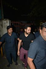 Emraan Hashmi Spotted Post A Shoot At Pali Hill on 2nd Dec 2018 (5)_5c076d2298e38.JPG