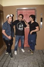Varun Dhawan, Varun Sharma & Dinesh Vijan spotted at pvr juhu on 2nd Dec 2018 (3)_5c077002c2001.JPG