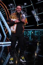 Badshah at Indian Idol Session 10 for Shoot Special Episode on 5th Dec 2018 (78)_5c08ca8b08824.JPG
