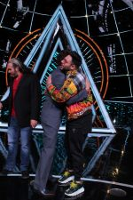 Badshah, Matt Hardy at Indian Idol Session 10 for Shoot Special Episode on 5th Dec 2018 (63)_5c08ca992238f.JPG