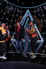 Badshah, Matt Hardy at Indian Idol Session 10 for Shoot Special Episode on 5th Dec 2018 (64)_5c08ca9a9dbdb.JPG