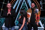 Badshah, Matt Hardy, Neha Kakkar at Indian Idol Session 10 for Shoot Special Episode on 5th Dec 2018 (60)_5c08d1bb6ce14.JPG