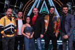 Badshah, Matt Hardy, Neha Kakkar, Vishal Dadlani, Manish Paul at Indian Idol Session 10 for Shoot Special Episode on 5th Dec 2018 (119)_5c08d1cc54b1c.JPG