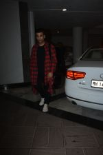 Karan Johar at Manish Malhotra_s birthday party at his bandra residence on 4th Dec 2018 (42)_5c08c60725be7.JPG