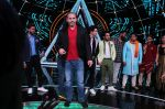 Matt Hardy at Indian Idol Session 10 for Shoot Special Episode on 5th Dec 2018 (84)_5c08d28d29162.JPG