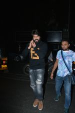 Yash spotted at Pali Bhavan restaurant in bandra on 8th Dec 2018 (12)_5c0e0e35644d8.JPG