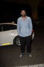 Prabhas Spotted At Airport on 9th Dec 2018 (9)_5c0f6f13bba40.JPG
