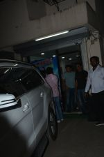 Salman Khan spotted at sohail Khan_s office in bandra on 10th Dec 2018 (7)_5c0f76a2c9237.JPG